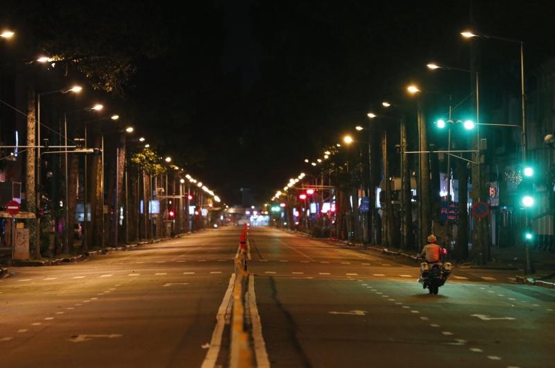 Chủ tịch nước Nguyễn Xuân Phúc: TP.HCM tiếp tục giãn cách xã hội là cần thiết