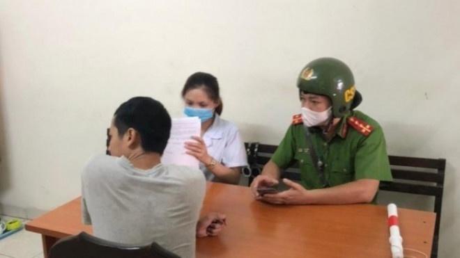 Hà Nội: hàng loạt người dân được đưa về phường nộp phạt vì lỗi không đeo khẩu trang