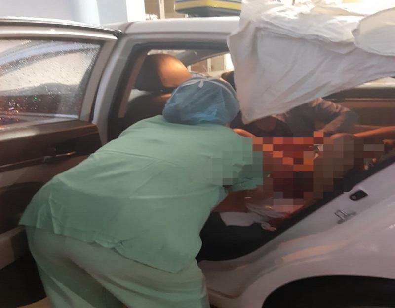 Nữ tài xế taxi bất đắc dĩ trở thành bà đỡ khi chở sản phụ trong bão