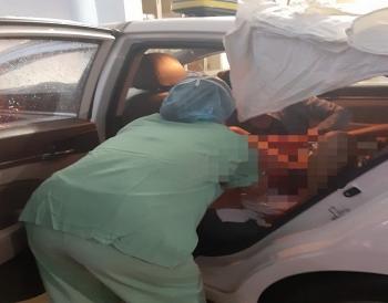 nu tai xe taxi bat dac di tro thanh ba do khi cho san phu trong bao