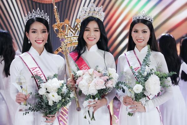 Bố và chị gái tiết lộ về tân Hoa hậu Việt Nam 2020