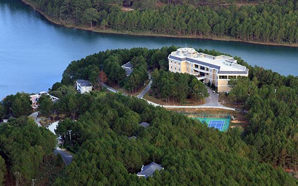 Lâm Đồng: Cho phép chuyển mục đích hơn 22.000 m2 đất rừng để làm dự án du lịch