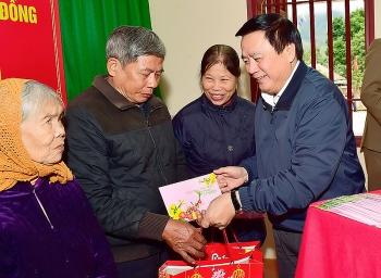 Đồng chí Nguyễn Xuân Thắng, Bí thư Trung ương Đảng, Giám đốc Học viện Chính trị Quốc gia Hồ Chí Minh thăm, chúc Tết tại Tuyên Quang