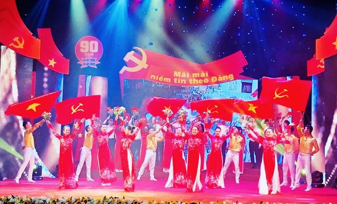 Kỷ niệm 90 năm Ngày thành lập Đảng: Chương trình nghệ thuật 'Mãi mãi niềm tin theo Đảng'