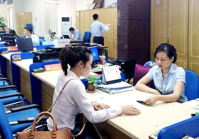 Không có bằng đại học vẫn được bổ nhiệm làm viên chức quản lý
