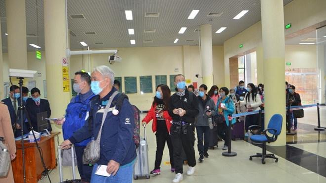 Tăng cường Phòng chống dịch viên phổi cấp do virus corona: Quảng Ninh phun thuốc khử trùng 2 lần/ngày tại các cửa khẩu