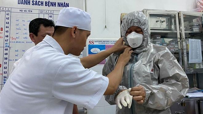 Cách ly, theo dõi sức khoẻ một bệnh nhân trở về từ Vũ Hán, Trung Quốc