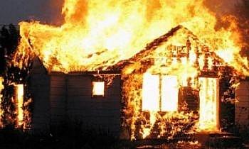 Cháy 6 căn nhà trong ngày mùng 2 Tết