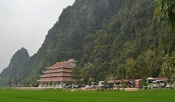 Hàng nghìn khách thập phương tham dự Lễ khai hội Chùa Tiên năm 2020