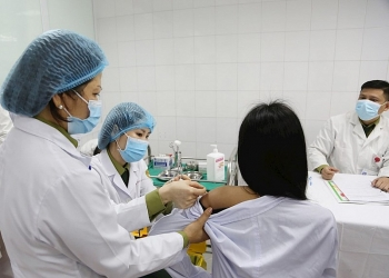 tiem thu nghiem mui 2 nhom lieu 25 mcg cua vaccine ngua covid 19 nano covax
