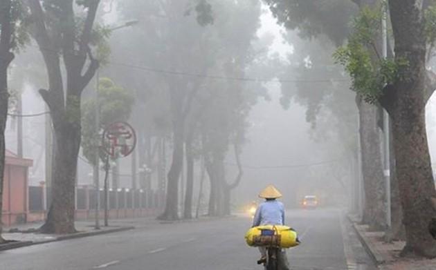 Dự báo thời tiết ngày 26/01: Khu vực Bắc Bộ mưa nhỏ sáng sớm, Nam Bộ nắng nóng