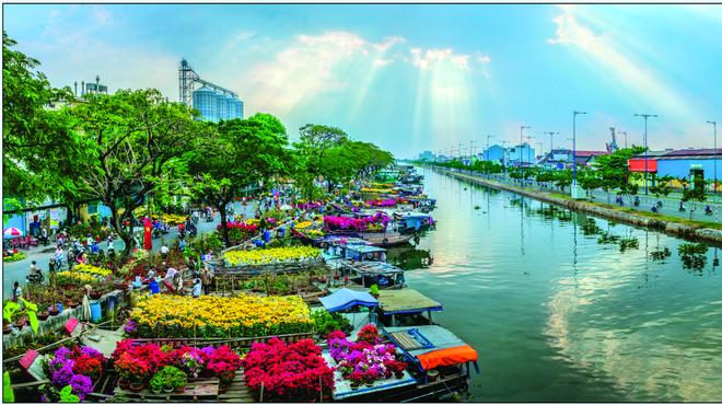 """Đặc sắc ở Chợ Hoa Xuân """"Trên bến dưới thuyền"""" năm 2021"""