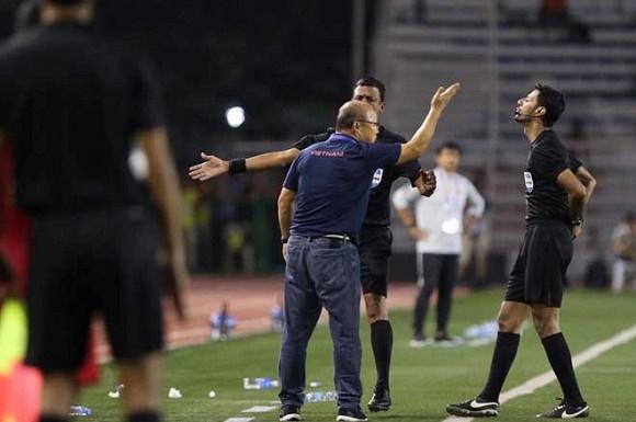 """Huấn luyện viên Park Hang Seo tự chịu """"án"""" kỷ luật của AFC theo điều khoản hợp đồng"""