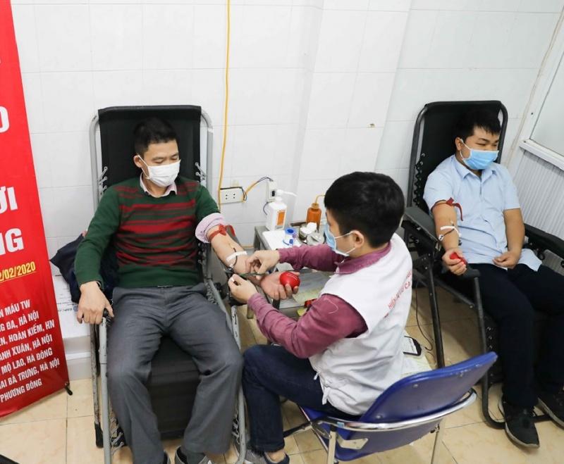 Tình người ấm áp từ nghĩa cử hiến máu trong những ngày dịch COVID-19