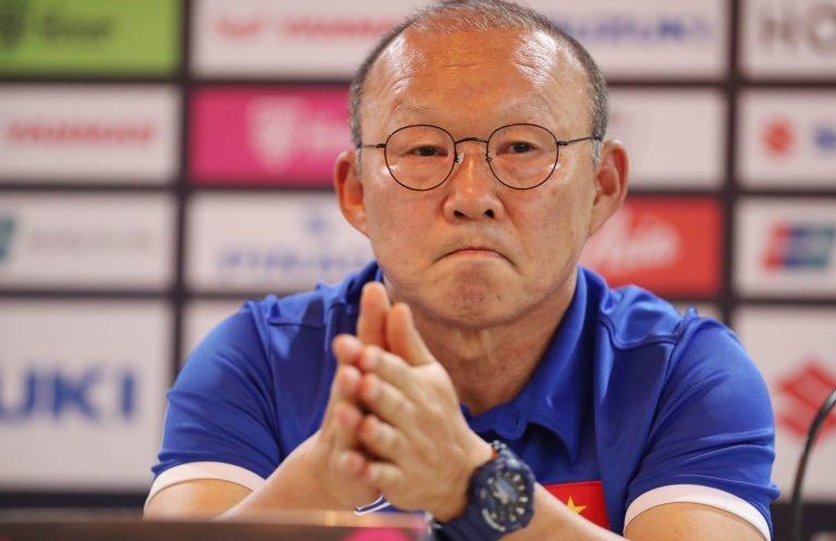 Huấn luyện viên Park Hang Seo chấp nhận án phạt của AFC