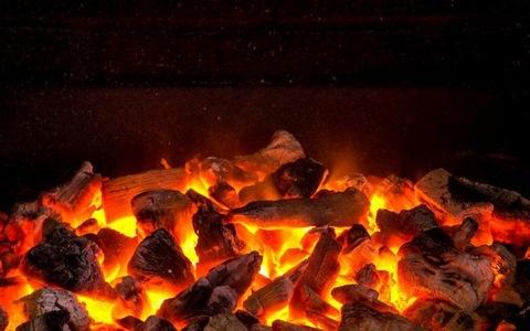 Cảnh báo nguy hiểm từ sưởi than sau sinh