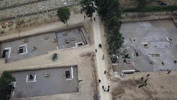 Khai quật khảo cổ 13 cọc gỗ phát hiện tại Thủy Nguyên, Hải Phòng