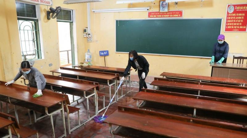 Hà Nội yêu cầu tổng vệ sinh, khử khuẩn trường, lớp đón học sinh trở lại trường học