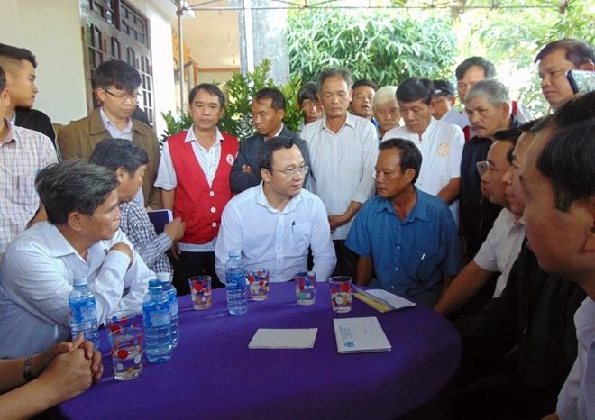 Thăm hỏi gia đình nạn nhân vụ chìm đò làm 6 người tử vong tại Quảng Nam
