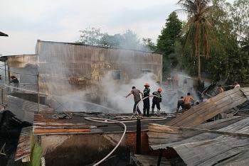 An Giang: Cháy lớn làm thiệt hại 8 căn nhà
