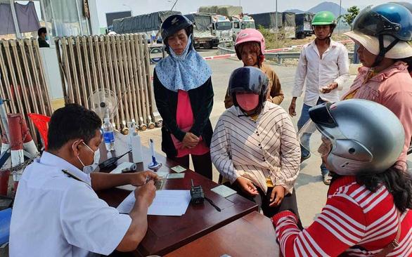 Điều chỉnh quy định qua lại tại các cửa khẩu biên giới với Campuchia và Lào