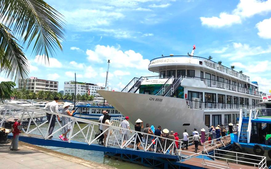 Quảng Ninh mở lại hoạt động du lịch nội tỉnh từ 0h ngày 2/3