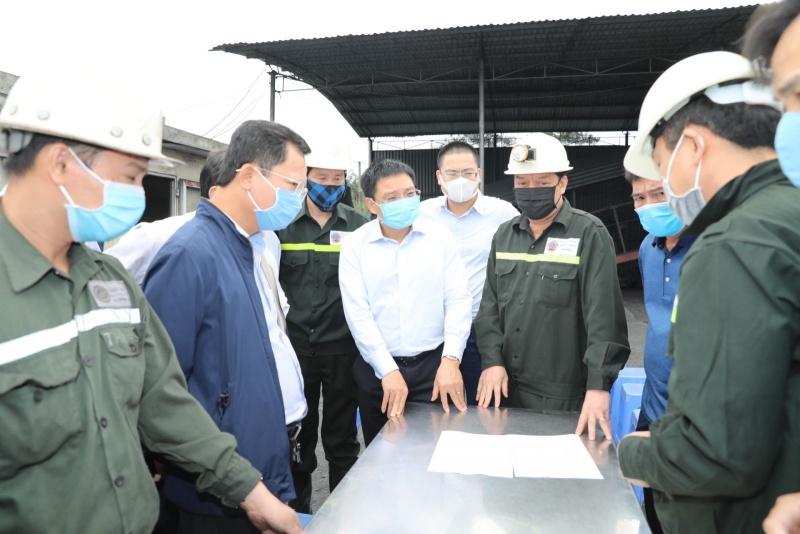 Quảng Ninh cứu hộ thành công 6 công nhân mắc kẹt do tụt vì chống lò