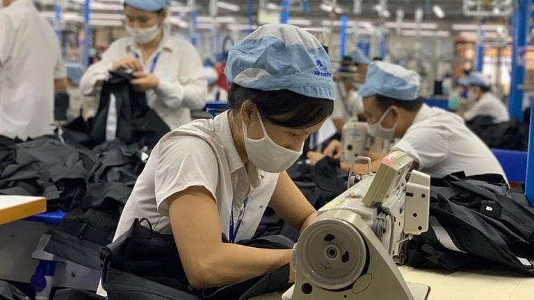 Hà Nội quan tâm đến quyền lợi người lao động bị tác động của dịch COVID-19
