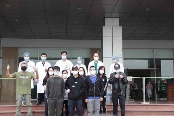 12 bệnh nhân mắc COVID-19 được công bố khỏi bệnh trong ngày 2/4