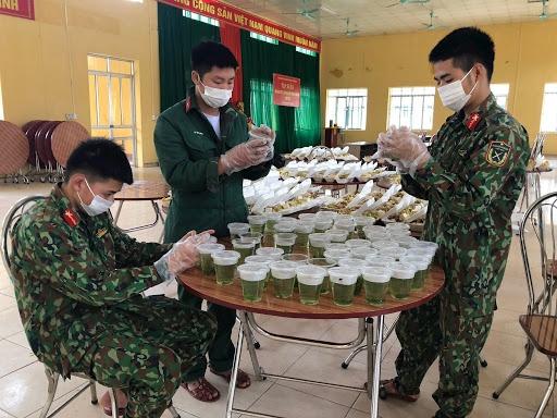 Những người lính Cụ Hồ trên tuyến đầu chống dịch COVID-19