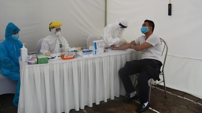 Các bệnh viện cần xét nghiệm, cách ly người đến khám có biểu hiện nghi ngờ mắc COVID-19