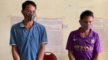 Sơn La: Bắt giữ hai đối tượng khai thác rừng trái phép