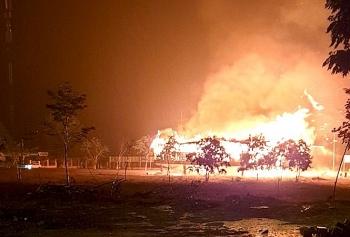 Cháy rụi ngôi nhà rông văn hóa huyện Đăk Tô, Kon Tum