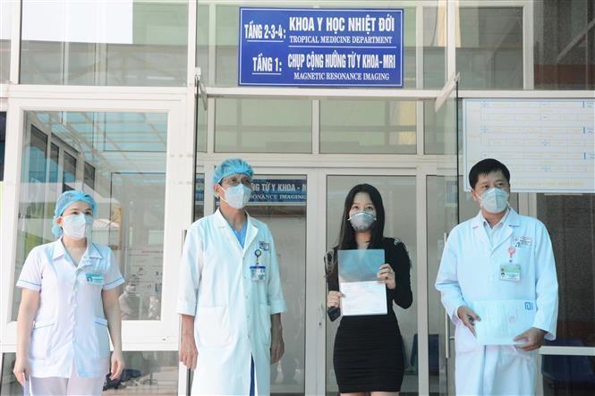 Công bố bệnh nhân thứ 122 và 123 khỏi bệnh