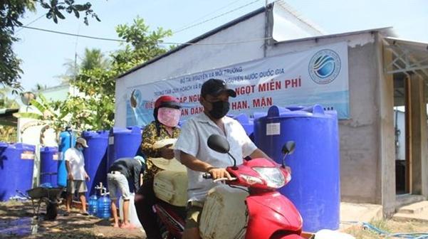 Bộ Tài nguyên và Môi trường bàn giao công trình cấp nước ngọt miễn phí cho tỉnh Bạc Liêu