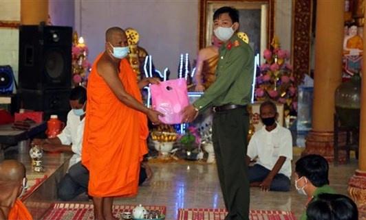 Đồng bào Khmer đón Tết cổ truyền Chôl Chnăm Thmây trong điều kiện phòng, chống dịch COVID-19