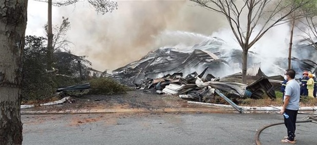 Bà Rịa-Vũng Tàu: Nỗ lực dập tắt đám cháy tại kho hàng Công ty cổ phần Thành Chí