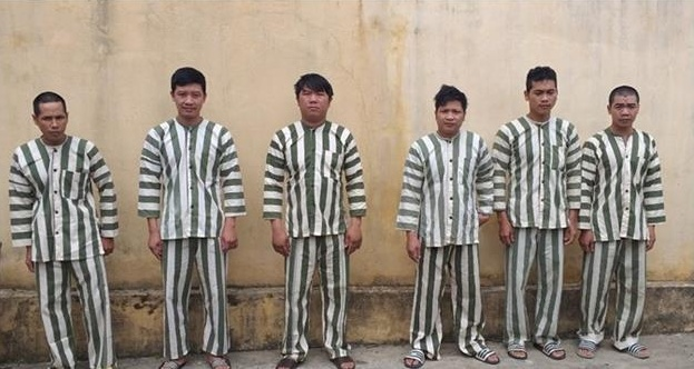 bat khan cap 6 doi tuong pha rung