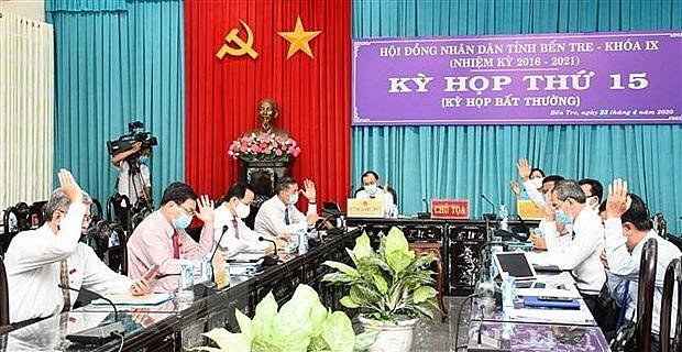 hoi dong nhan dan tinh ben tre hop truc tuyen tai 5 diem cau thong qua 11 nghi quyet quan trong
