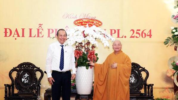 pho thu tuong thuong truc chinh phu truong hoa binh chuc mung le phat dan pl2564