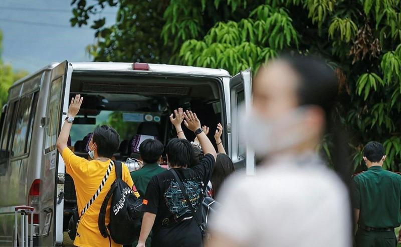 Hưng Yên bàn giao hơn 140 công dân hoàn thành cách ly