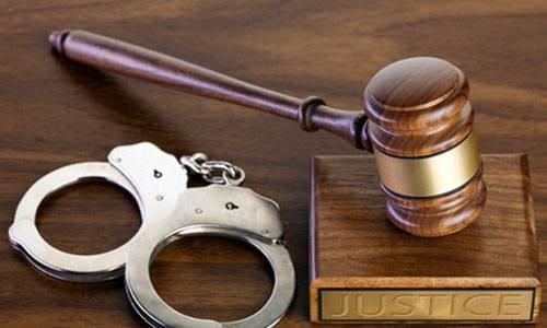 Khởi tố, bắt tạm giam Chấp hành viên Chi cục Thi hành án dân sự