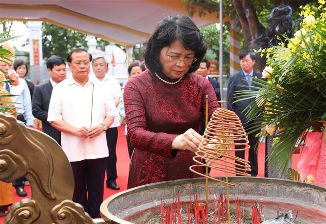 Phó Chủ tịch nước dự Lễ đón nhận Bằng di tích Quốc gia đặc biệt đền - chùa - đình Hai Bà Trưng