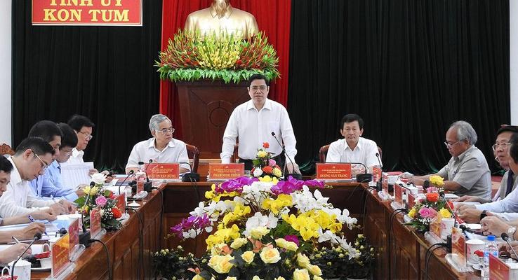 Trưởng ban Tổ chức Trung ương Phạm Minh Chính làm việc với Ban Thường vụ Tỉnh ủy Kon Tum
