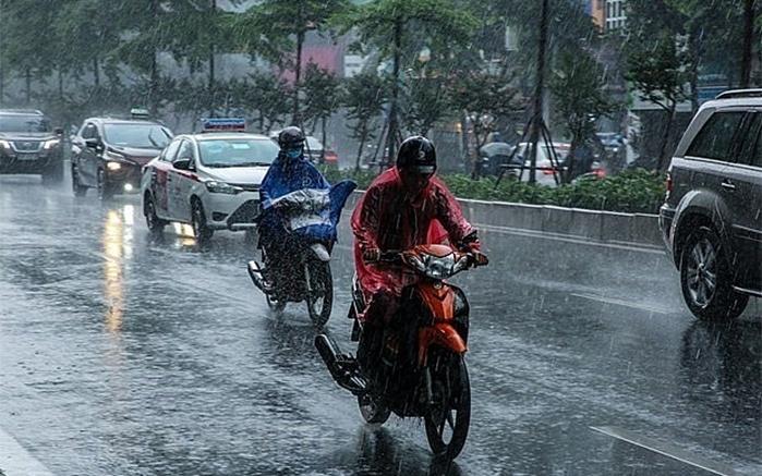 Đêm 31/5 các khu vực trên cả nước có mưa rào và dông, đề phòng lốc, sét và gió giật mạnh