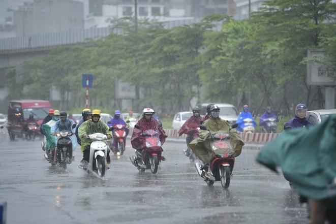 Bắc Bộ mưa dông, đề phòng thời tiết nguy hiểm