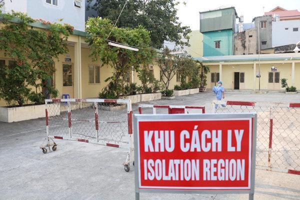 Quảng Ninh đưa 5 người nhập cảnh trái phép đi cách ly theo quy định