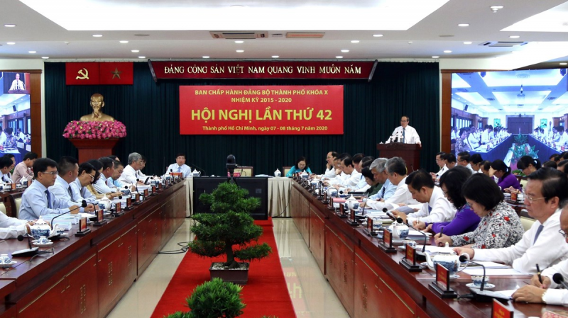 """Thành phố Hồ Chí Minh: Tập trung tháo gỡ các """"điểm nghẽn"""""""