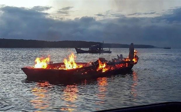 Cứu hộ thành công các thuyền viên trên tàu bị cháy tàu ở sông Lòng Tàu