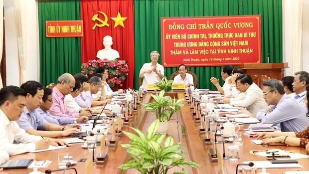 Đồng chí Trần Quốc Vượng thăm, làm việc tại Ninh Thuận